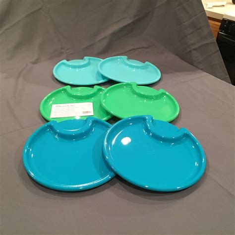 The Pampered Chef Outdoor Party Plates: Set of 6 Plastic