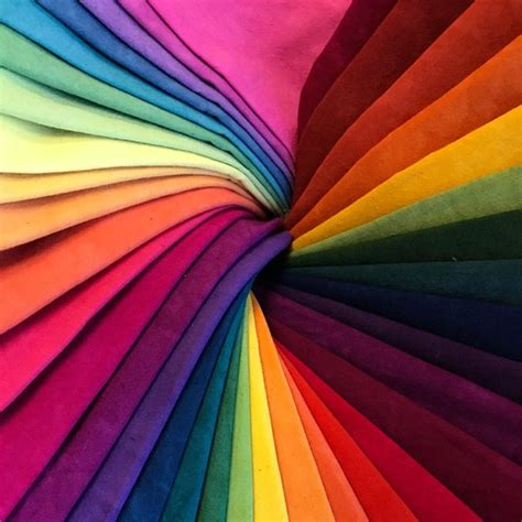 Exploring The Color Wheel Theory Of Love | The Tao of Dana