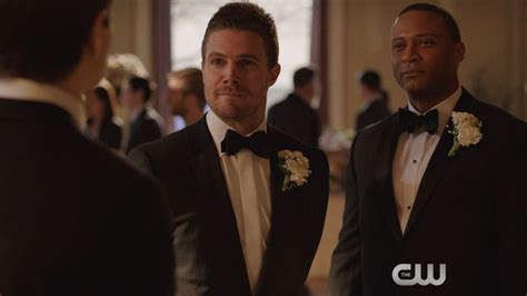 'Arrow': It's Olicity V Raylicity In This Exclusive Clip