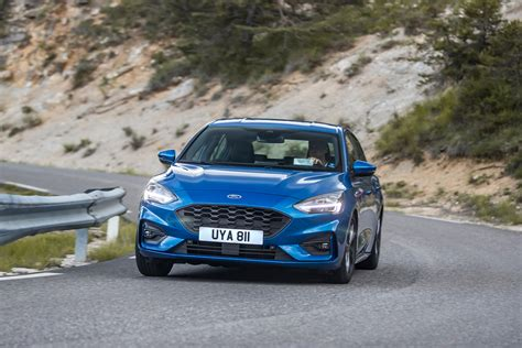 New Ford Focus ST-Line 2018 review – can it beat the VW