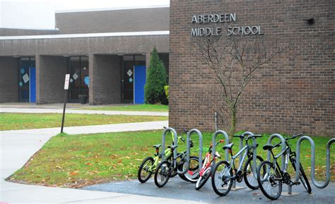 Aberdeen Middle opens new year with a school resource