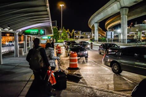 How to transfer between JFK airport and Manhattan?